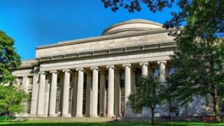 世界大学ランキング2020は1位「マサチューセッツ工科大学」、アジアではシンガポールの2校が11位で同率首位、東京大学は過去最高の22位に