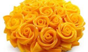 フレッシュフルーツでアートするケーキを提供するカフェコムサがマンゴーフェア「世界のマンゴーを訪ねて」を開催