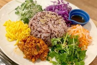 ベトナムハーブ&サラダご飯・コムアンフー